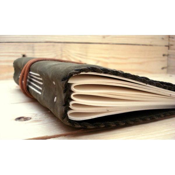 Quaderno in pelle medievale